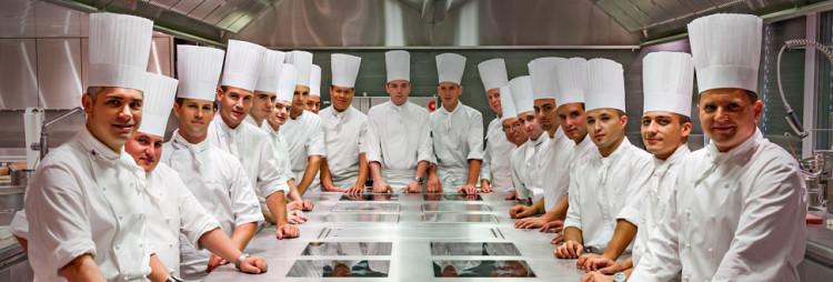Michel Oude Booijink wint de Jeunes Chefs Competition